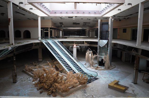PHOTOS. Des centres commerciaux abandonnés révèlent une autre facette de la surconsommation aux