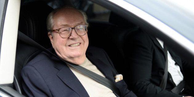 Suspension de Jean-Marie Le Pen: une victoire symbolique qui illustre surtout sa capacité de