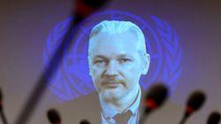 Assange demande l'asile à Hollande qui lui dit