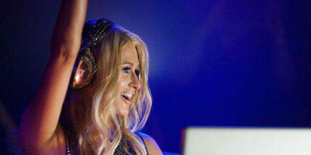 DJ Paris Hilton gagne plus d'1 million d'euros par nuit pour