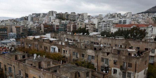 En Grèce, le salaire moyen est de 817 euros nets en 2013, contre plus de 1000 euros en