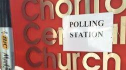 Persuadés d'un complot, certains votants ont préféré apporter leur propre