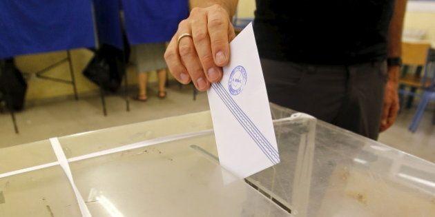 Le référendum en Grèce s'ouvre face à une Europe