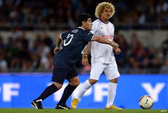 PHOTOS. Maradona, Valderrama et Baggio rechaussent les crampons pour le pape François (et pour la