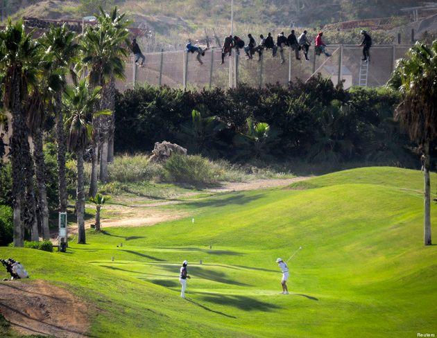 Cette photo de migrants à Melilla fait le tour du monde. Les explications de son