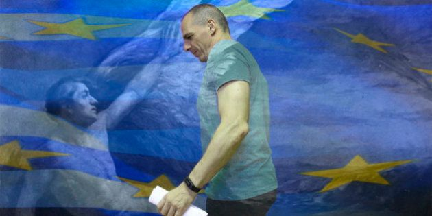 Yanis Varoufakis, trop pris dans la lumière, a fini par concentrer les critiques de