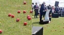 Donald Trump accueilli en Écosse avec des balles de golf