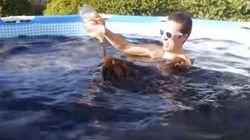 Cette piscine de Coca et Mentos est complètement