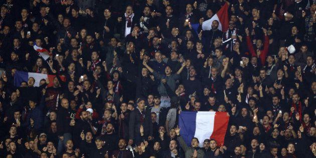 VIDÉO. Avant la rencontre avec Lyon, les supporters de Nice scandent