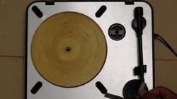 Il a transformé une tortilla en disque vinyle et ça marche (très