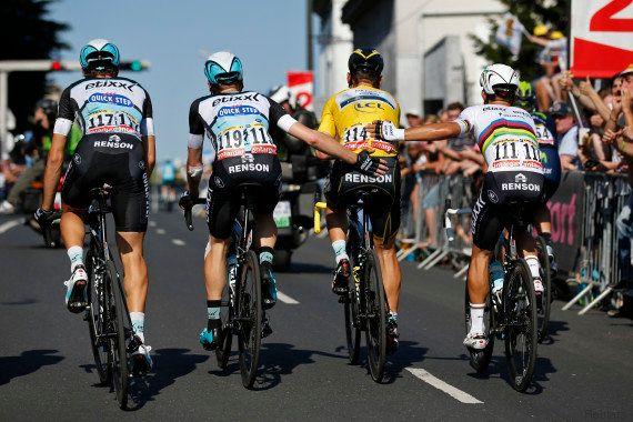 VIDÉO. Tour de France : le maillot jaune Tony Martin provoque une chute dans le dernier