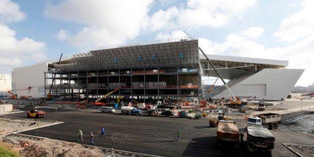 Stades inachevés, retards dans l'organisation... pourquoi la Coupe du monde et les JO au Brésil se joueront...