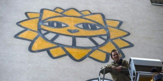 PHOTOS. Monsieur Chat : avant son procès, le street-artist a réalisé une peinture murale dans le