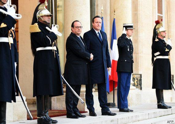 VIDÉOS. François Hollande et David Cameron au Bataclan pour un