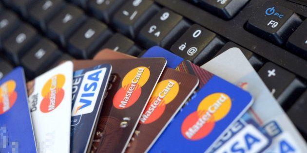 Bercy s'attaque aux cartes bancaires prépayées, utilisées dans la préparation des attentats du 13