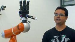 Ce bras robotique peut attraper des objets au
