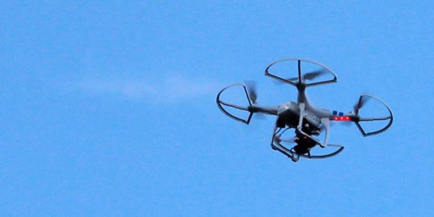Drones sur des centrales nucléaires: EDF porte plainte, Cazeneuve appelle à leur
