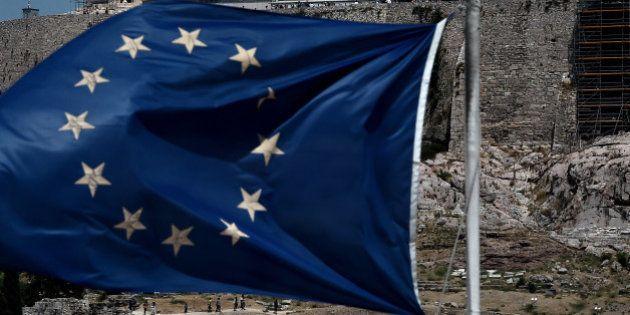 Crise grecque: la proposition d'accord aux créanciers adoptée par le parlement tard dans la