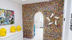 PHOTOS. Ils construisent un mur en Lego dans leurs locaux à Hambourg en
