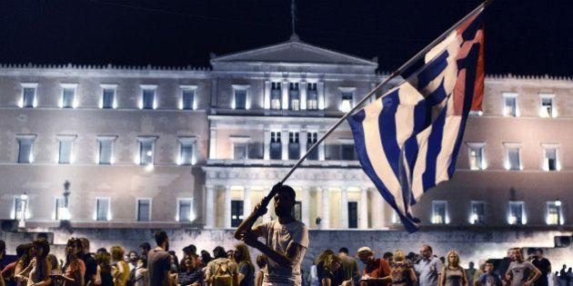 EN DIRECT. Grèce: la proposition de Tsipras bien accueillie par les créanciers, approuvée par le parlement