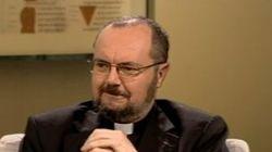 Le père Hervé Benoît doit être sévèrement sanctionné pour ses propos sur les