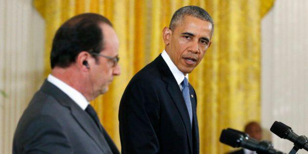 Obama aux côtés de Hollande :