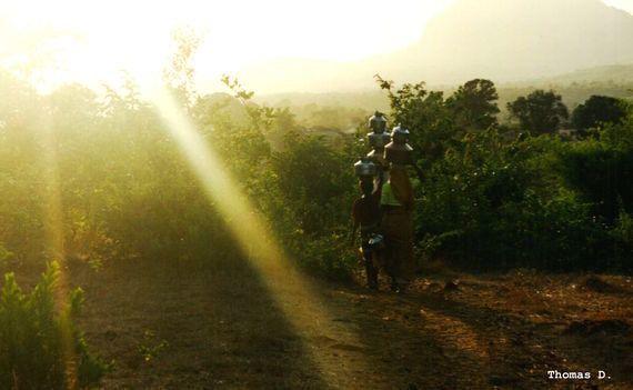 Les petits voyages de l'eau: un village en