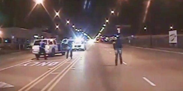 Un adolescent noir abattu par un policier blanc à Chicago, la vidéo qui choque