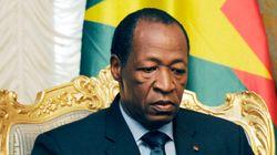 Burkina Faso: Compaoré lève l'état de siège mais ne démissionne