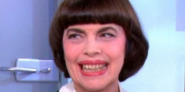 VIDÉO. Mireille Mathieu pense ne pas faire de politique. Et