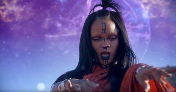 Rihanna nous emmène sur sa planète pour le clip