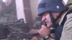 Le Schwarzy russe tire à la mitrailleuse avec les séparatistes et fait