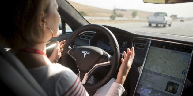 Accident mortel de Tesla: qui est responsable d'un accident de voiture