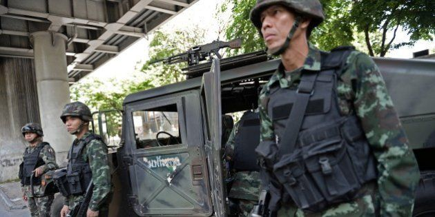 VIDEO. Crise en Thaïlande: l'armée décrète la loi martiale, des soldats déployés dans
