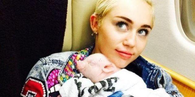 PHOTOS. Miley Cyrus a adopté un bébé cochon qu'elle exhibe sur