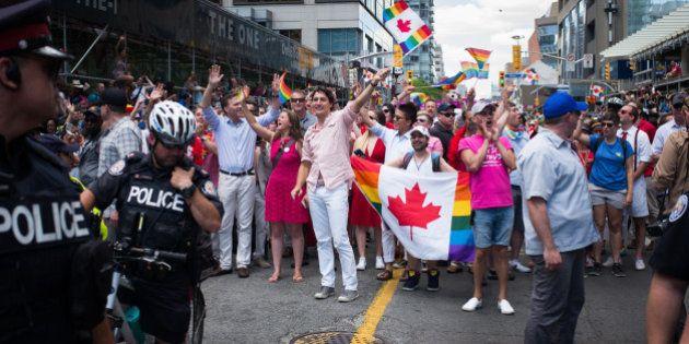 Le premier ministre canadien Justin Trudeau enflamme la Gay
