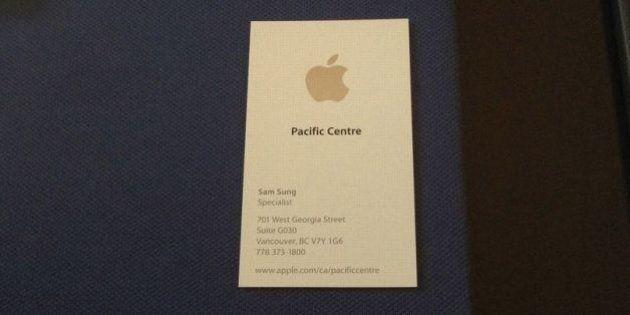 PHOTOS. Sam Sung: cet ancien employé d'Apple vend sa carte de visite sur