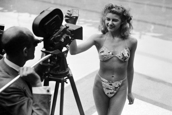 Quand le bikini était inventé à la piscine