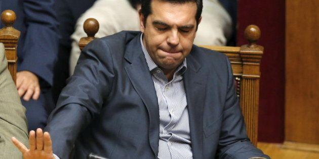 Le parlement grec se prononcera sur un accord pénible (et qui ne règle