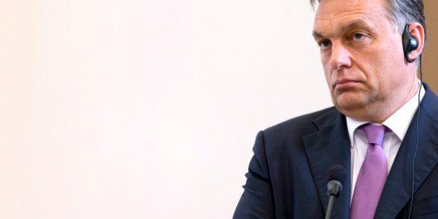 Réfugiés en Hongrie: les cinq décisions qui placent Viktor Orban en marge de ses collègues
