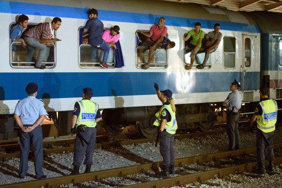 Migrants: après la Hongrie, la Croatie ferme à son tour ses