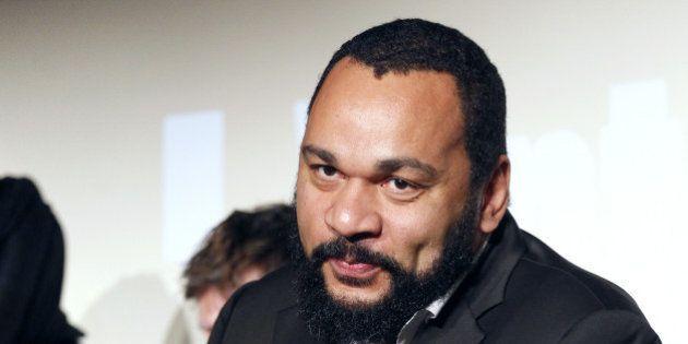 Dieudonné : expulsé de sa nouvelle salle à Saint-Denis, le polémiste assigne le propriétaire en