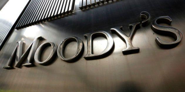 Moody's abaisse la note de la France d'un cran sur fond de