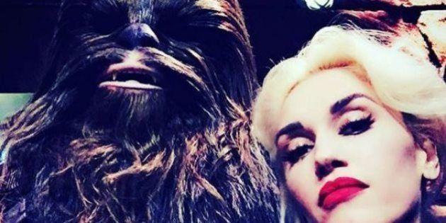 PHOTOS. Gwen Stefani pose avec Chewbacca à
