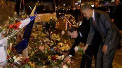 Obama se recueille avec Hollande devant le