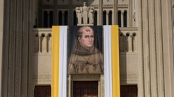 Les Amérindiens contestent la canonisation de Junípero Serra, missionnaire controversé de
