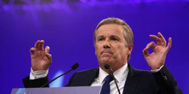 Nicolas Dupont-Aignan veut consacrer la réserve parlementaire à l'achat de gilets
