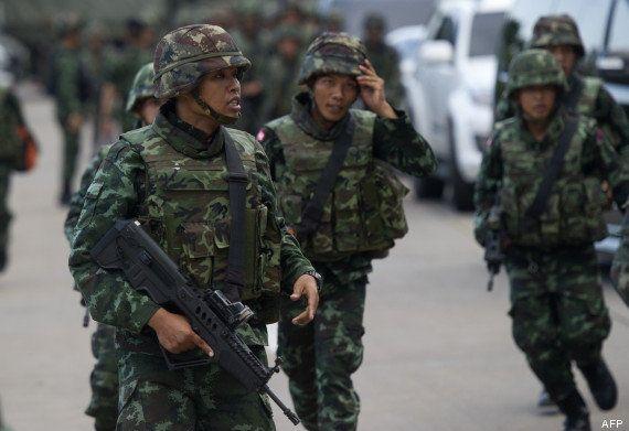 VIDÉO. Thaïlande: le chef de l'armée annonce un coup d'Etat, en direct à la