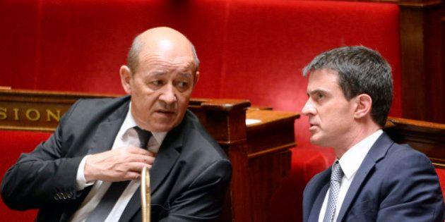 Budget de la défense : Jean-Yves Le Drian écrit à Manuel Valls, inquiétude des militaires en attendant...