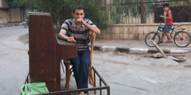 VIDÉOS. En Syrie, un pianiste adoucit le quotidien dans un camp de